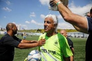 Isaak Hayik, 73, set a new record as worlds oldest soccer player