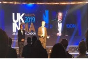 Mark Tully introduced the Lifetime Achievement Award at UK-India Awards 2019