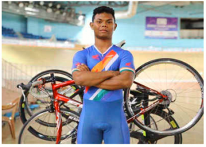 India's Esow Alben won gold in men's Keirin individual event of Six Day Berlin Tournament